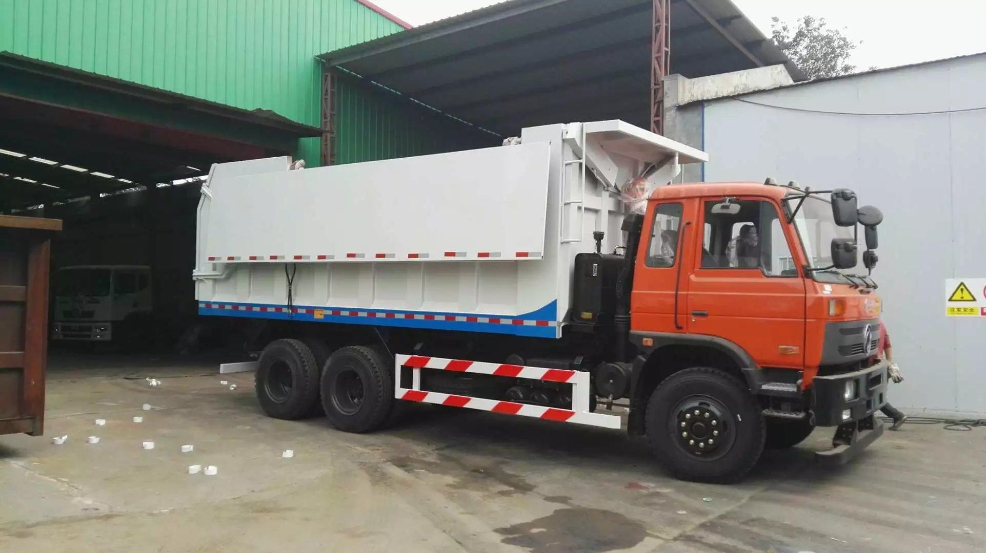 东风老款20-25吨勾臂式垃圾车