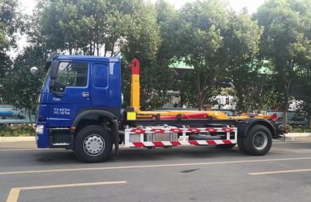 20吨勾臂式垃圾车