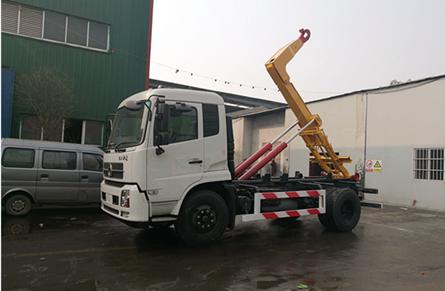 东风天锦12吨折臂垃圾车