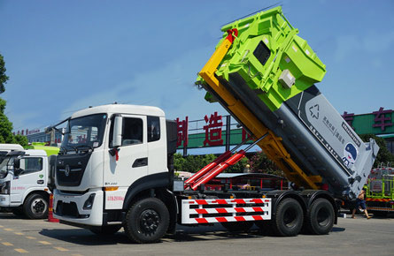 东风天龙20-25吨勾臂式垃圾车