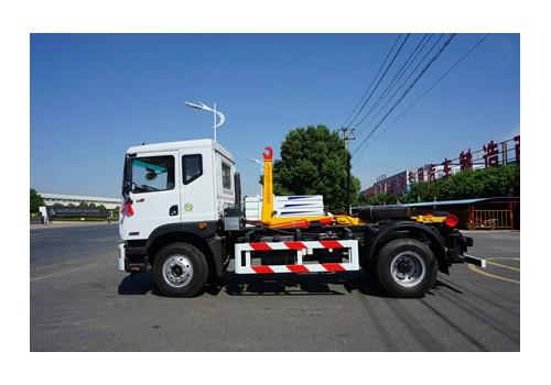 东风8吨勾臂污泥运输车