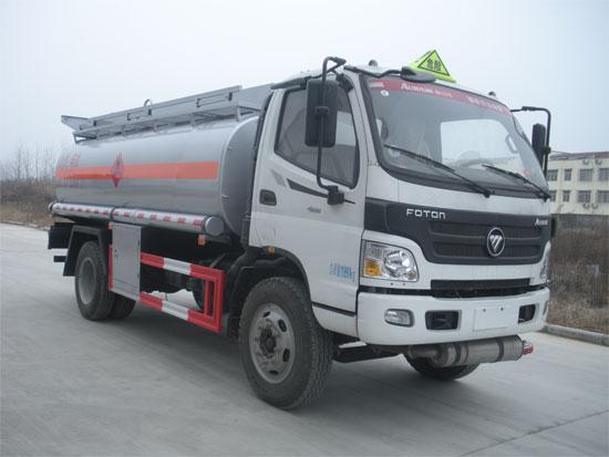 福田9方加油车